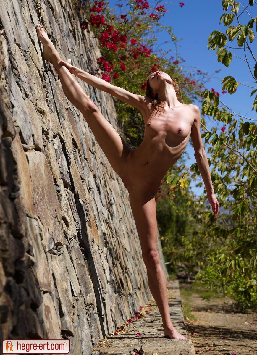 Female nude gymnastics